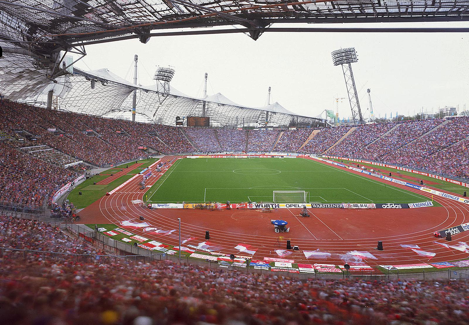 FC Bayern München – TSV 1860 München, Olympiastadion München (15.30 - 17.21 Uhr, 11.4.1998)