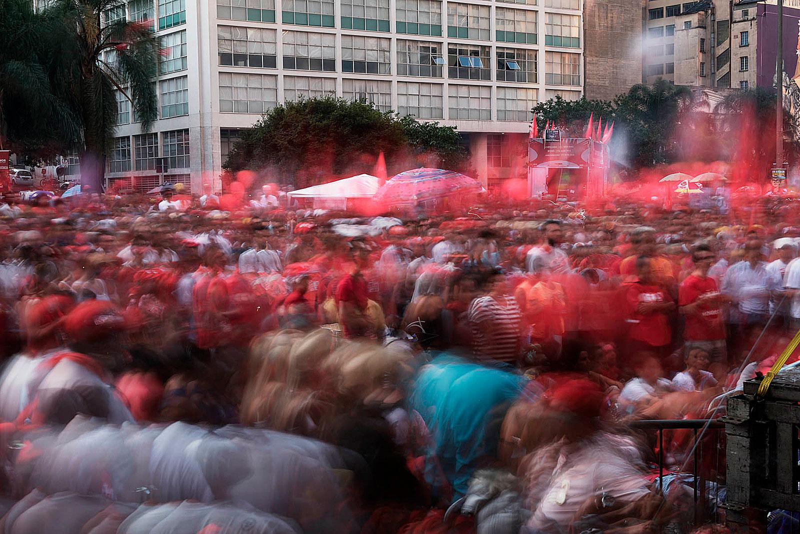 Manifestação, Vale do Anhangabaú (18.12 - 18.24 Uhr, 17.4.2016)
