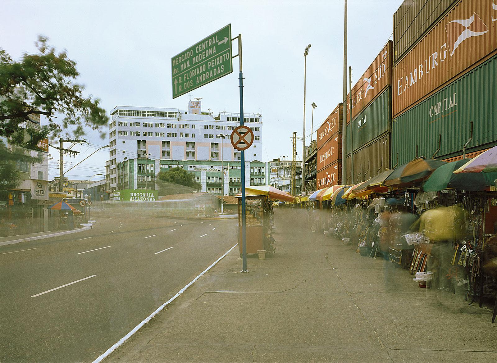 Containers, Manaus (11.13 - 11.23 Uhr, 28.7.2003)