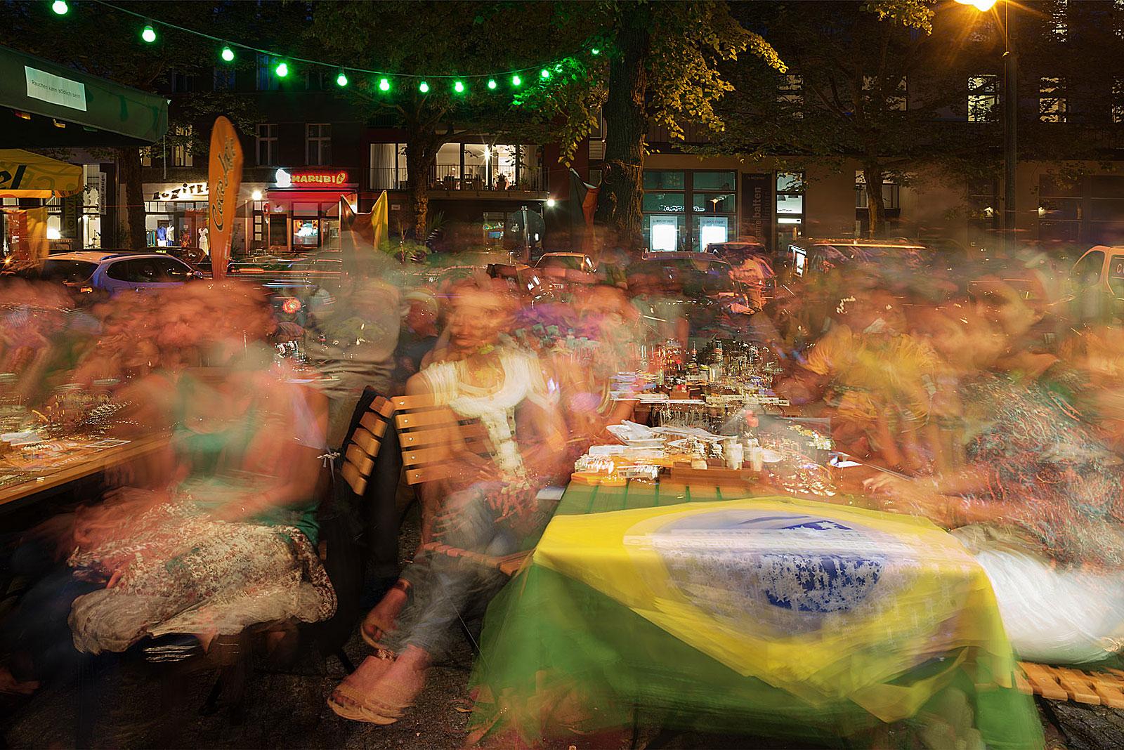 Brasilien - Kolumbien 2:1, Na Brasa (22.00 - 23.55 Uhr, 4.7.2014)