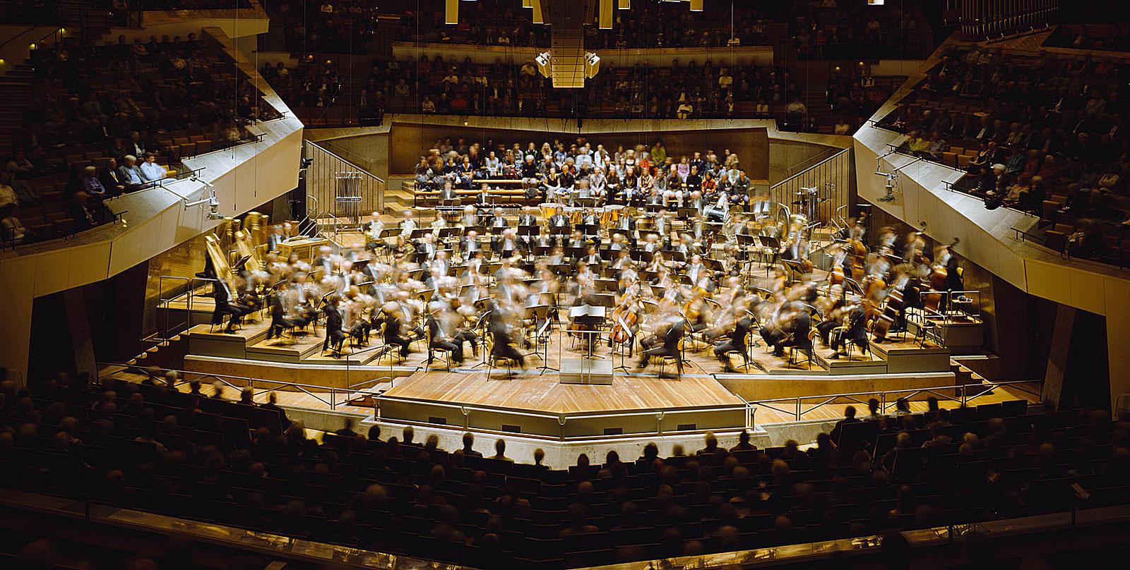Bela Bartok, Der holzgeschnitzte Prinz, Sz 60, Philharmonie Berlin (21.18 - 22.14 Uhr, 6.5.2010)